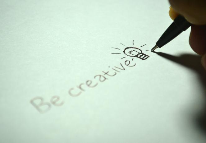 creative-725811_960_720-min